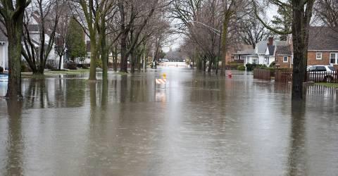 Overstroming in een straat